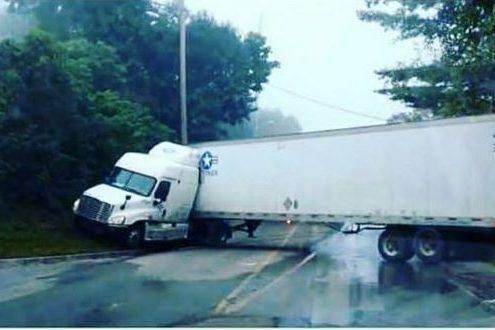 jackknife truck accident